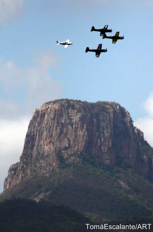 4 Planes at Cacharamba